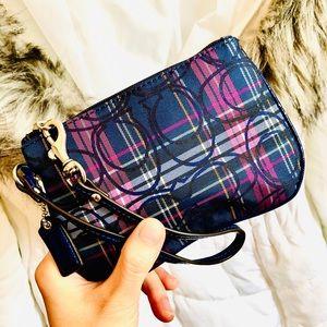 COACH⚡️Authentic Flannel Cs Pattern Wristlet